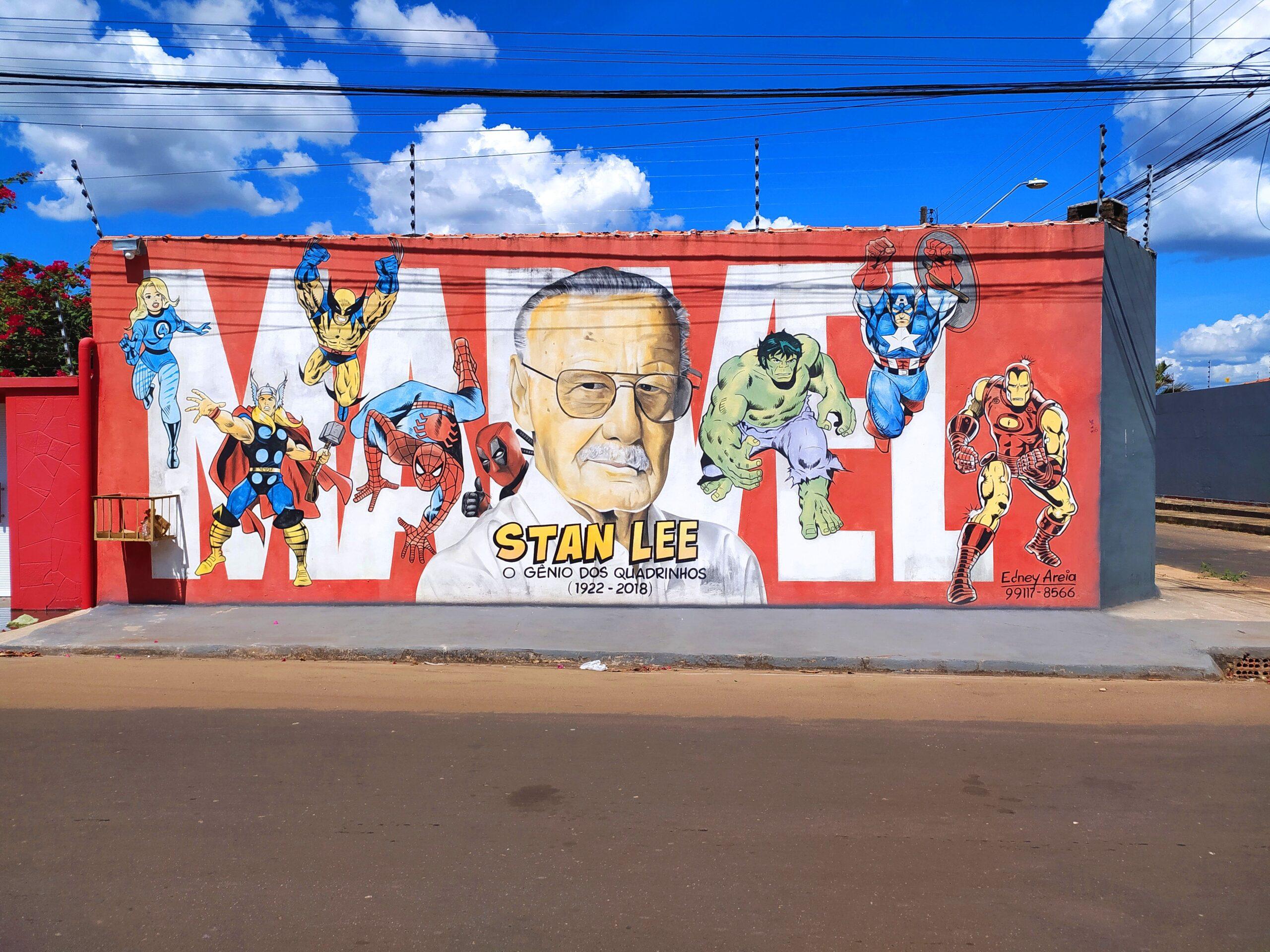 mural stan lee